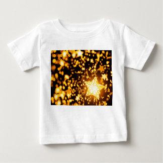 Estrellas que vuelan camiseta de bebé