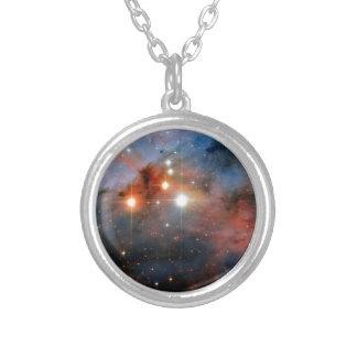 Estrellas WR 25 y Tr16-244 en la nebulosa de Colgante Redondo
