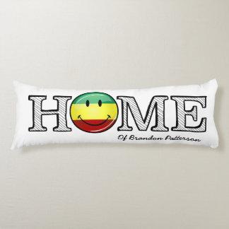 Estreno de una casa sonriente de la bandera del cojin cama