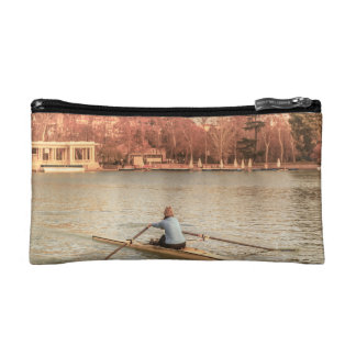 Estuche De Maquillaje Rowing de la mujer en Del Retiro Park, Madrid,
