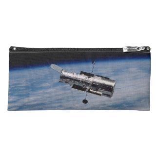 Estuche Hubble y tierra