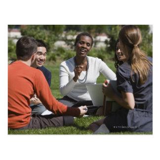 Estudiantes con el profesor postal