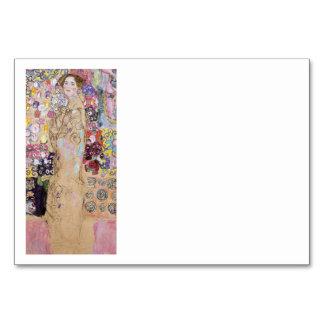 Estudio de la mujer en flores tarjeta