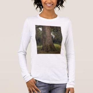 Estudio del tronco de un árbol de olmo, c.1821 camiseta de manga larga