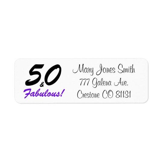 """Etiqueta """"50 y fabuloso"""" fijaron en tipografía negra y"""