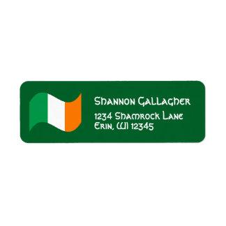 Etiqueta Bandera irlandesa con la fuente céltica