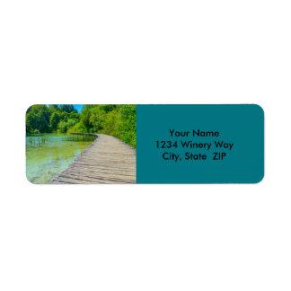 Etiqueta Caminar la trayectoria en el parque nacional de