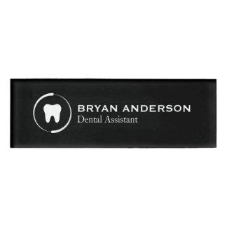 Etiqueta conocida del ayudante de dentista