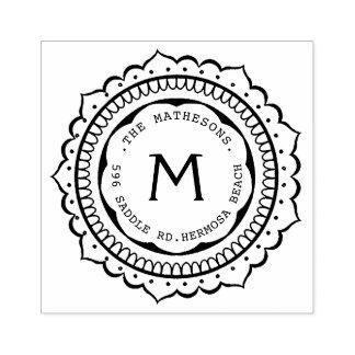 Etiqueta de dirección dibujada mano del monograma sello de caucho
