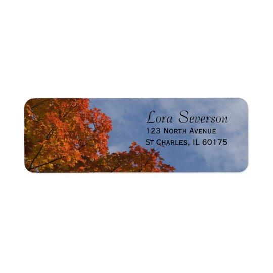 Etiqueta de las hojas de otoño y del remite del