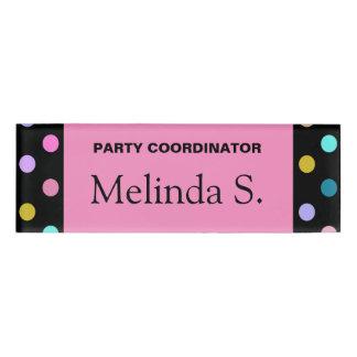Etiqueta De Nombre Los puntos negros rosados bonitos del confeti van