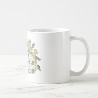 Etiqueta decorativa de la mariposa del estilo del taza básica blanca