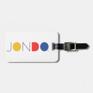 Etiqueta del equipaje de JONDO con la correa de