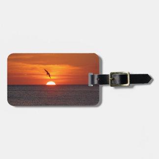 Etiqueta del equipaje de la puesta del sol