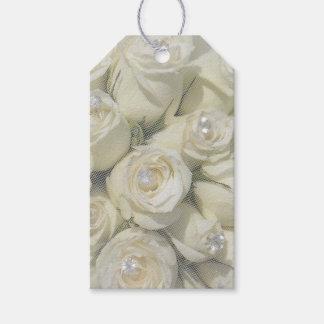 etiqueta del regalo de los rosas blancos y de las etiquetas para regalos