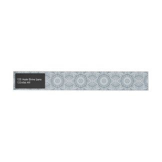 Etiqueta Envolvente De Dirección Modelo floral blanco azul geométrico de la mandala