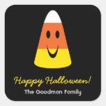 Etiqueta linda sonriente del favor de Halloween de
