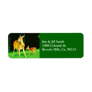 Etiqueta Mamá Deer y cervatillo del bebé