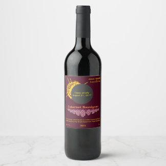 Etiqueta Para Botella De Vino Concentrado total de la luz del sol del eclipse