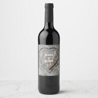 Etiqueta Para Botella De Vino Corazón de piedra rústico del boda del jardín