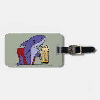 Etiqueta Para Maletas Cerveza de consumición del tiburón divertido