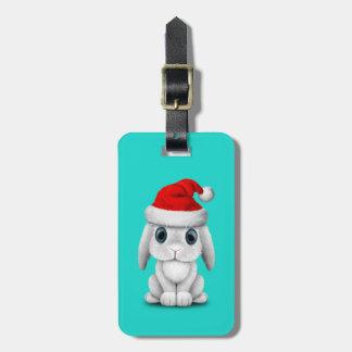 Etiqueta Para Maletas Conejito blanco del bebé que lleva un gorra de