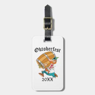 Etiqueta Para Maletas Hombre de Oktoberfest con el barrilete