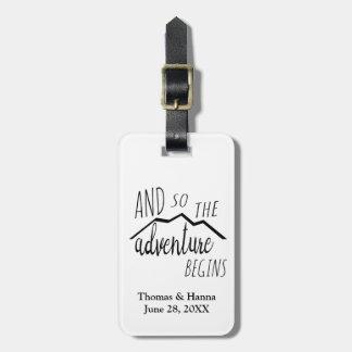 Etiqueta Para Maletas La aventura comienza tan el boda rústico de la