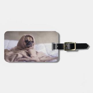 Etiqueta Para Maletas Perro de perrito del barro amasado que abraza en