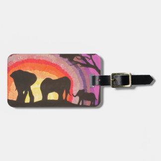 Etiqueta Para Maletas Puesta del sol de los elefantes africanos @ (arte