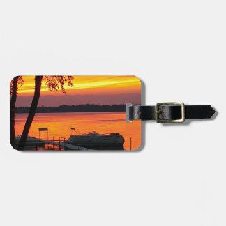 Etiqueta Para Maletas Puesta del sol sobre el lago castlerock