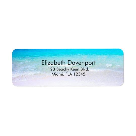 Etiqueta Playa tropical con un mar de la turquesa
