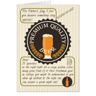 Etiqueta retra divertida de la cerveza del día de tarjeta de felicitación
