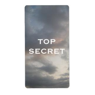 Etiqueta secretísima del cielo nublado etiqueta de envío
