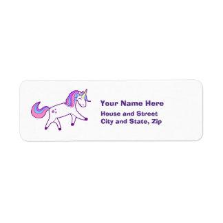 Etiqueta Unicornio mágico con la melena rosada, púrpura, y