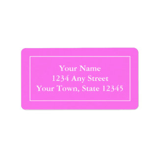 Etiquetas de correo rosadas y blancas con seña