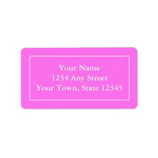 Etiquetas de correo rosadas y blancas con seña etiqueta de dirección
