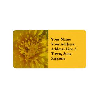 Etiquetas de dirección amarillas de la flor del