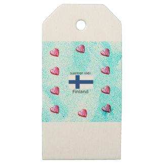 Etiquetas De Madera Para Regalos Bandera de Finlandia y diseño finlandés de la