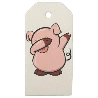 Etiquetas De Madera Para Regalos Cerdo que frota
