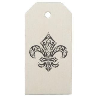 Etiquetas De Madera Para Regalos El regalo de madera de la flor de lis marca con