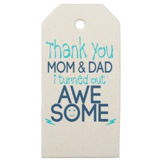 Etiquetas De Madera Para Regalos gracias mamá y papá que resulté impresionante
