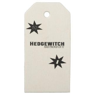 Etiquetas De Madera Para Regalos Hedgewitch y orgulloso de él