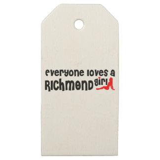 Etiquetas De Madera Para Regalos Todos ama a un chica de la colina de Richmond