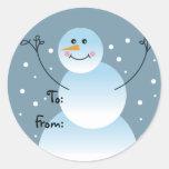 Etiquetas del regalo del muñeco de nieve pegatinas redondas
