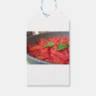 Etiquetas Para Regalos Cocinar la salsa de tomate hecha en casa usando el