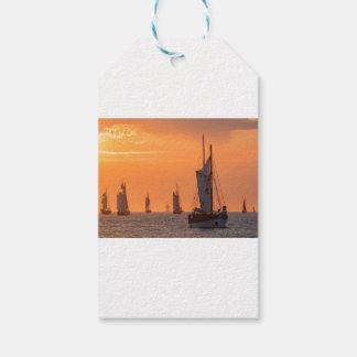 Etiquetas Para Regalos Windjammer en luz de la puesta del sol