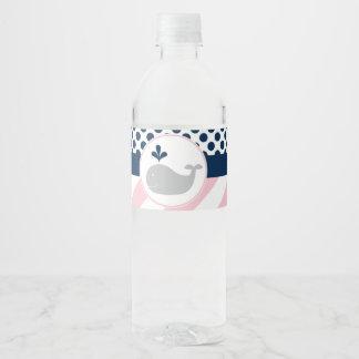 Etiquetas rosadas de la botella de agua de la