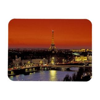Europa, Francia, París. Opinión de la puesta del s Imanes