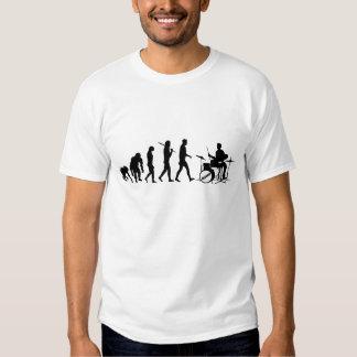 Evolución divertida de la música de los baterías camisas